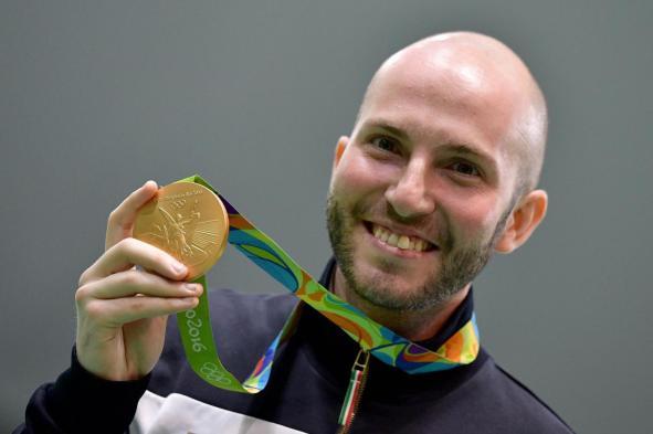 Olimpiadi Rio 2016, Niccolò Campriani oro nella carabina da 10 metri